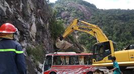 Vụ lật xe khách trên đèo, 23 người thương vong: Điều tra nguyên nhân