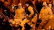 Tấn công khủng bố bằng dao tại Paris, nhiều người thương vong