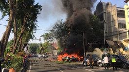 Đánh bom liều chết liên hoàn tại thành phố lớn thứ hai Indonesia