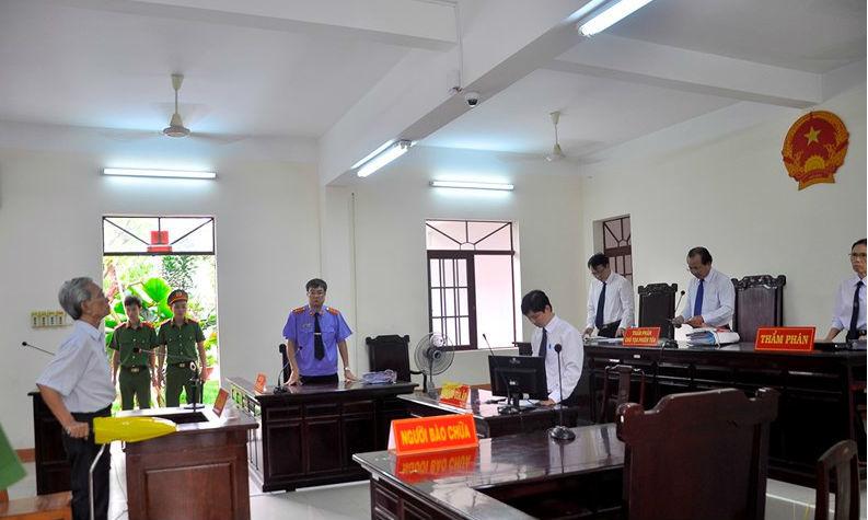 Vụ Nguyễn Khắc Thủy dâm ô được xử án treo: VKSND tỉnh gửi báo cáo khẩn