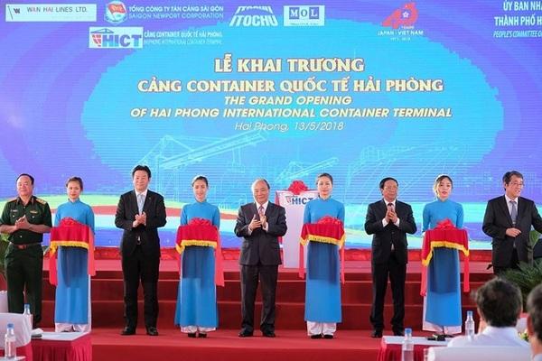 Thủ tướng: Kết nối, nâng cao cạnh tranh quốc gia về dịch vụ cảng biển