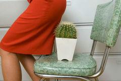 Dân văn phòng méo mặt vì ngồi nhiều, phải lên bàn mổ