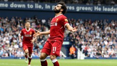 Salah chói sáng, Liverpool đoạt vé Champions League