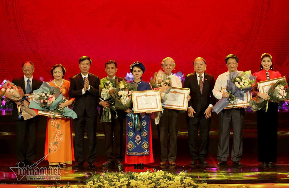 164 tác phẩm đoạt giải sáng tác về học tập tư tưởng Hồ Chí Minh