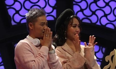 Thanh Vân nghẹn ngào nhớ về người cha đã mất khi nghe Vicky Nhung hát