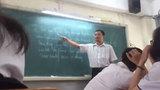Thầy giáo dạy tiếng Anh theo phong cách Tài Smile khiến học viên cười ngất