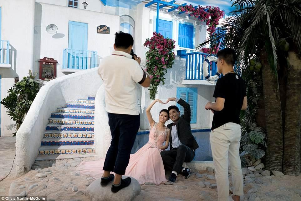 Bên trong thiên đường chụp ảnh cưới tại Trung Quốc
