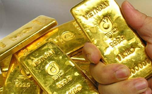 Giá vàng hôm nay 17/5: Tỉ giá USD tăng cao, vàng lao dốc thảm hại