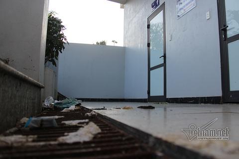 nhà vệ sinh Hạ long