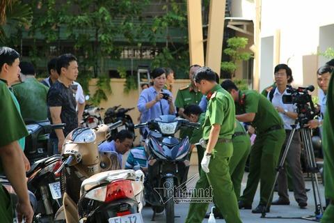 Khám nghiệm xe máy nghi can đâm chết 2 hiệp sĩ trên phố Sài Gòn
