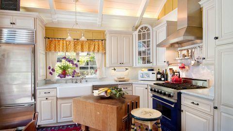 Cách trang trí nội thất phòng bếp theo cách cổ điển
