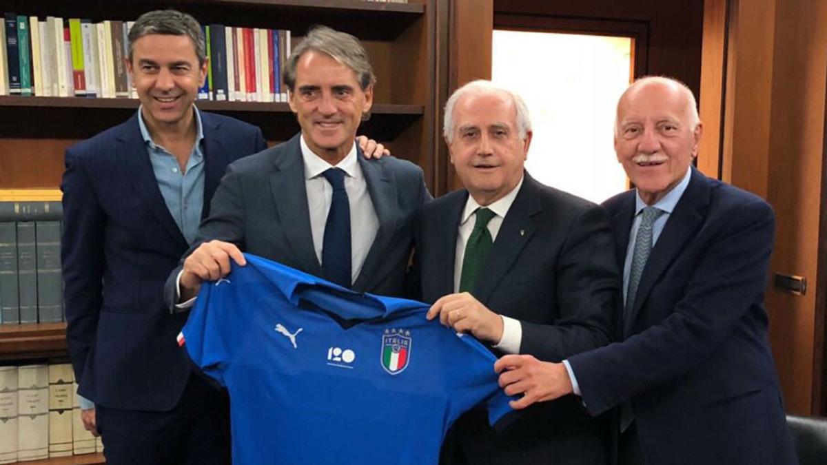 MU đón thêm 2 tân binh, Mancini dẫn tuyển Italia