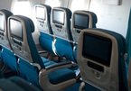 Nhân viên kỹ thuật trả lại 100 triệu hành khách rơi trên máy bay