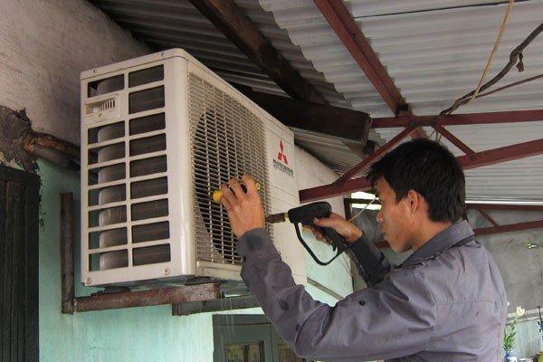 Cục nóng điều hòa chảy nước: Mẹo đơn giản tránh bị thợ 'chặt chém'