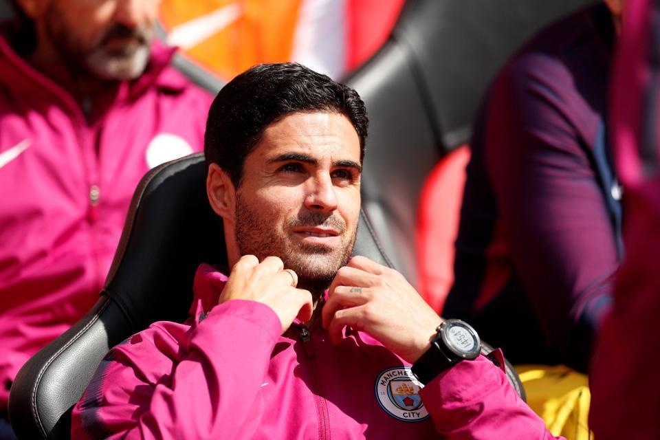 Arsenal tuyển HLV mới: Cái tên ít ai ngờ!