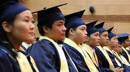 Giá dịch vụ đào tạo và bản chất công - tư của giáo dục đại học