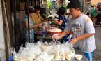 Bếp ăn từ thiện của người phụ nữ đơn thân ở Sài Gòn