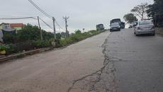 Đường đê cong vẹo chờ sụt vì ô tô trốn trạm BOT chạy rầm rập