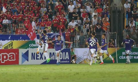 Hà Nội FC 1-1 HAGL: Thành Chung gỡ hòa