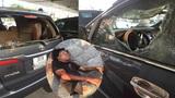 Hà Nội: Đập phá ô tô, đánh tài xế trọng thương trên phố