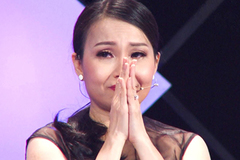 Cẩm Ly khóc nức nở khi nhắc về cha mẹ