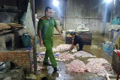 Nội tạng bò ngâm hóa chất trước khi mang bán