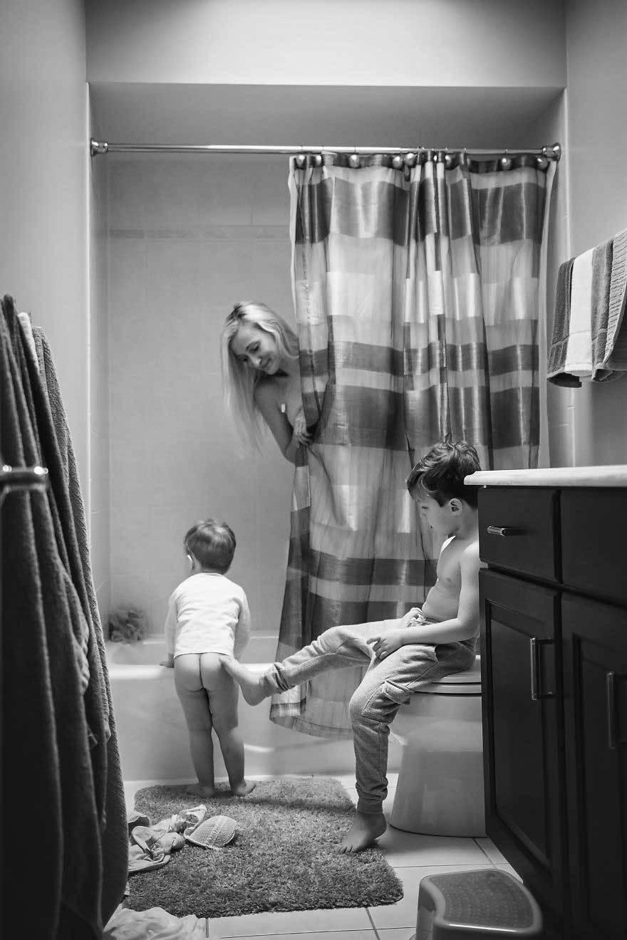 Chùm ảnh chân thực nhất về bà mẹ bỉm sữa