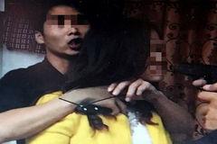 Điều tra đối tượng tạt xăng, kề dao chủ quán cà phê ở Sài Gòn
