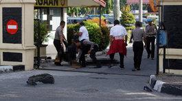 Tấn công bằng kiếm tại đồn cảnh sát Indonesia, nhiều người thương vong