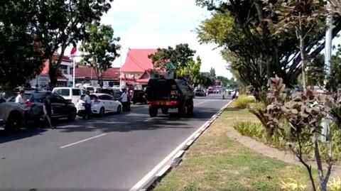 tấn công đồn cảnh sát Indonesia