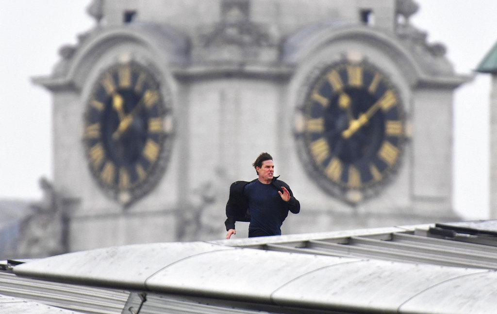 Tom Cruise lại chuẩn bị làm chuyện điên rồ chưa từng có