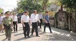 Phó Thủ tướng thăm ngư dân Quảng Bình bị thiệt hại do sự cố môi trường