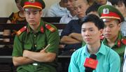BS Hoàng Công Lương liên tiếp giữ quyền im lặng