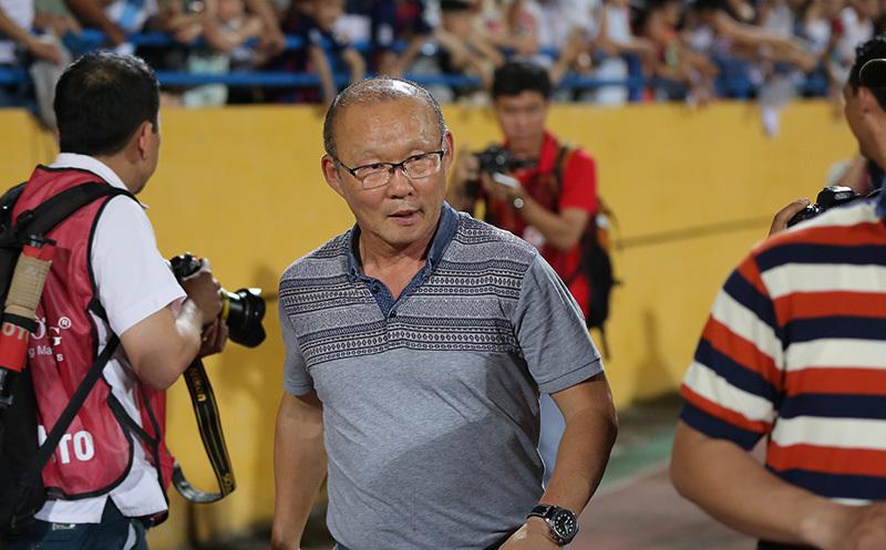 Thầy Park: Thay vì chờ Công Phượng, hãy tin Văn Toàn!