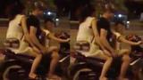 Hai vợ chồng để con nhỏ lái xe gây phẫn nộ