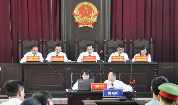 Hoàng Công Lương,bác sĩ Hoàng Công Lương,luật sư Trần Vũ Hải,chạy thận nhân tạo,bệnh viện Hoà Bình