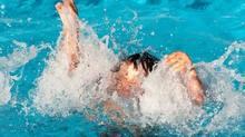 Xuống đập bắt ốc, hai học sinh tiểu học đuối nước thương tâm