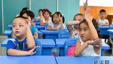Vì sao cho con trai ngồi cạnh con gái trên lớp là một điều tốt?