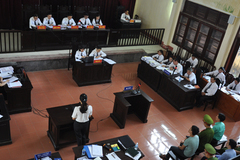 Xét xử BS Hoàng Công Lương: Tiết lộ tỉ lệ 'ăn chia' trong chạy thận