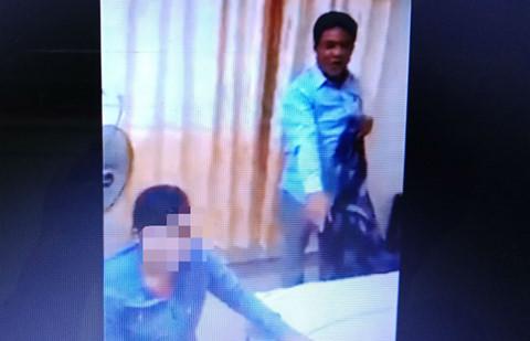Chồng bắt quả tang vợ vào nhà nghỉ với trưởng công an xã