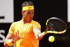 """Nadal """"tốc hành"""" vào tứ kết Rome Masters"""
