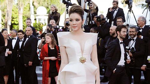 Lý Nhã Kỳ ấn tượng trên thảm đỏ Cannes
