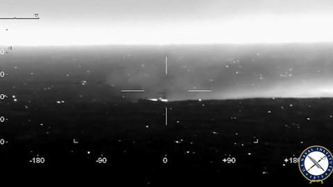 Xem tàu chiến ven biển Mỹ nã tên lửa vào mục tiêu