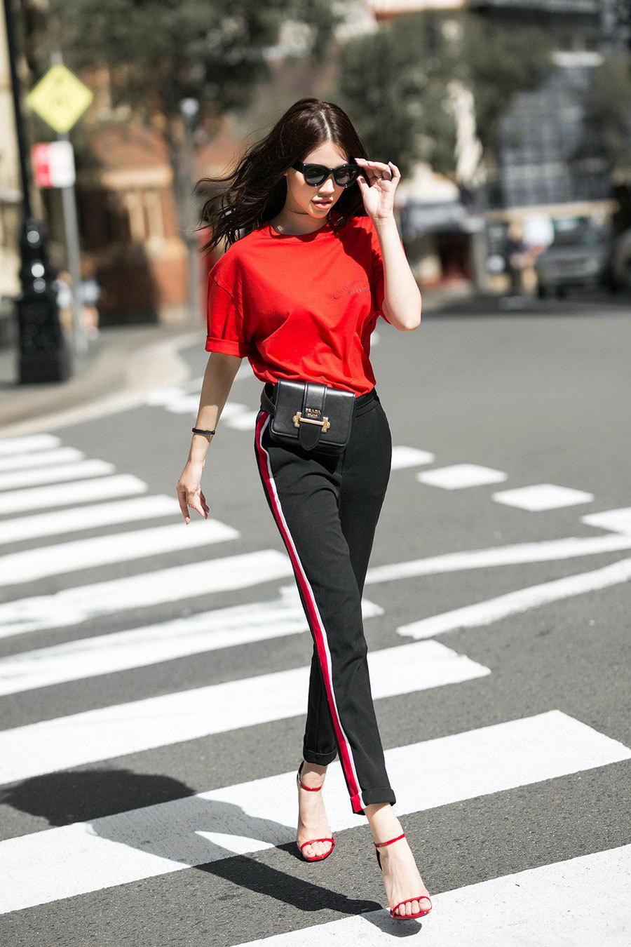 Jolie Nguyễn gợi ý chọn đồ xuống phố sang chảnh ngày hè