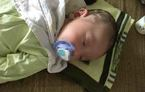 Bé trai 2 tháng tuổi bị bỏ rơi kèm lời nhắn 'nhờ nuôi hộ'