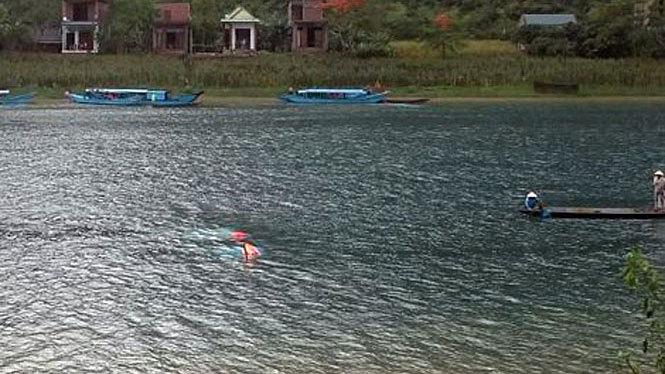 Lốc xoáy ở Phong Nha đánh úp thuyền, nữ du khách Hà Nội thiệt mạng
