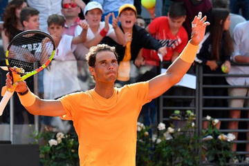 Thắng ngược Fognini, Nadal đại chiến Djokovic ở bán kết