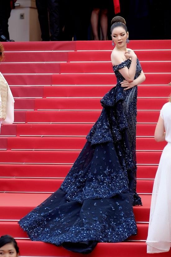 Lý Nhã Kỳ đụng độ thiên thần nội y Victoria's Secret trên thảm đỏ