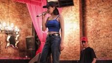Khán giả 'hoang mang' vì Chi Pu hát live như hết hơi