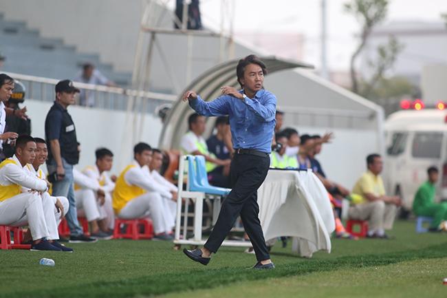 HLV Miura,trọng tài,VPF,V-League,CLB TPCHM
